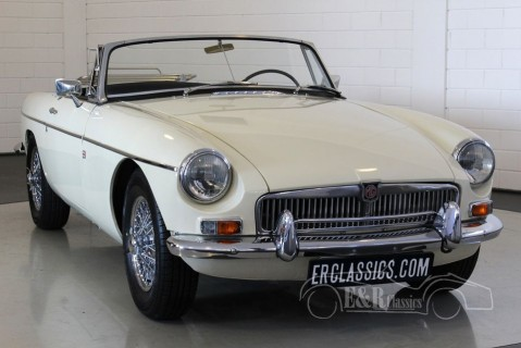 MGB cabriolet Old English White 1963  for sale