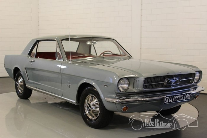 Ford Mustang V8 coupe 1964-1/2 for sale