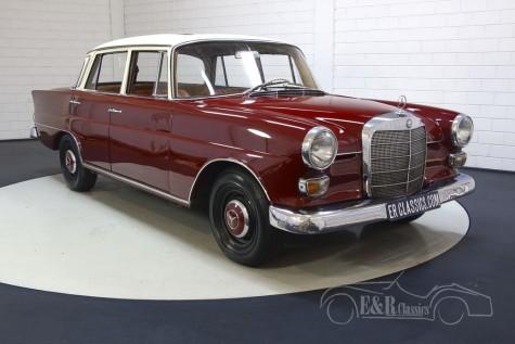 Mercedes-Benz 200 D til salg