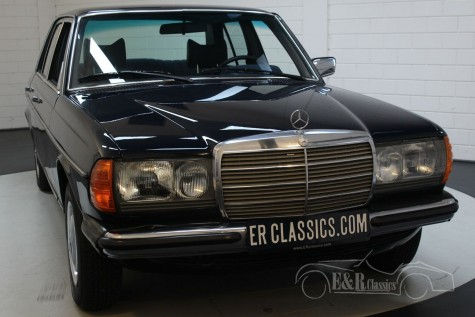 Mercedes-Benz 250 W123 Sedan 1978 à venda