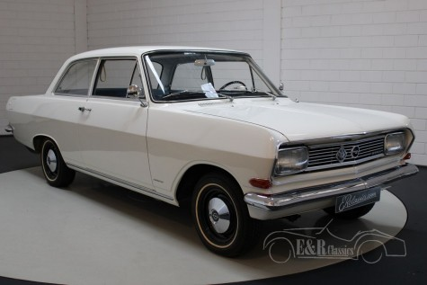 Predám 2-dverový sedan Opel Rekord 1966