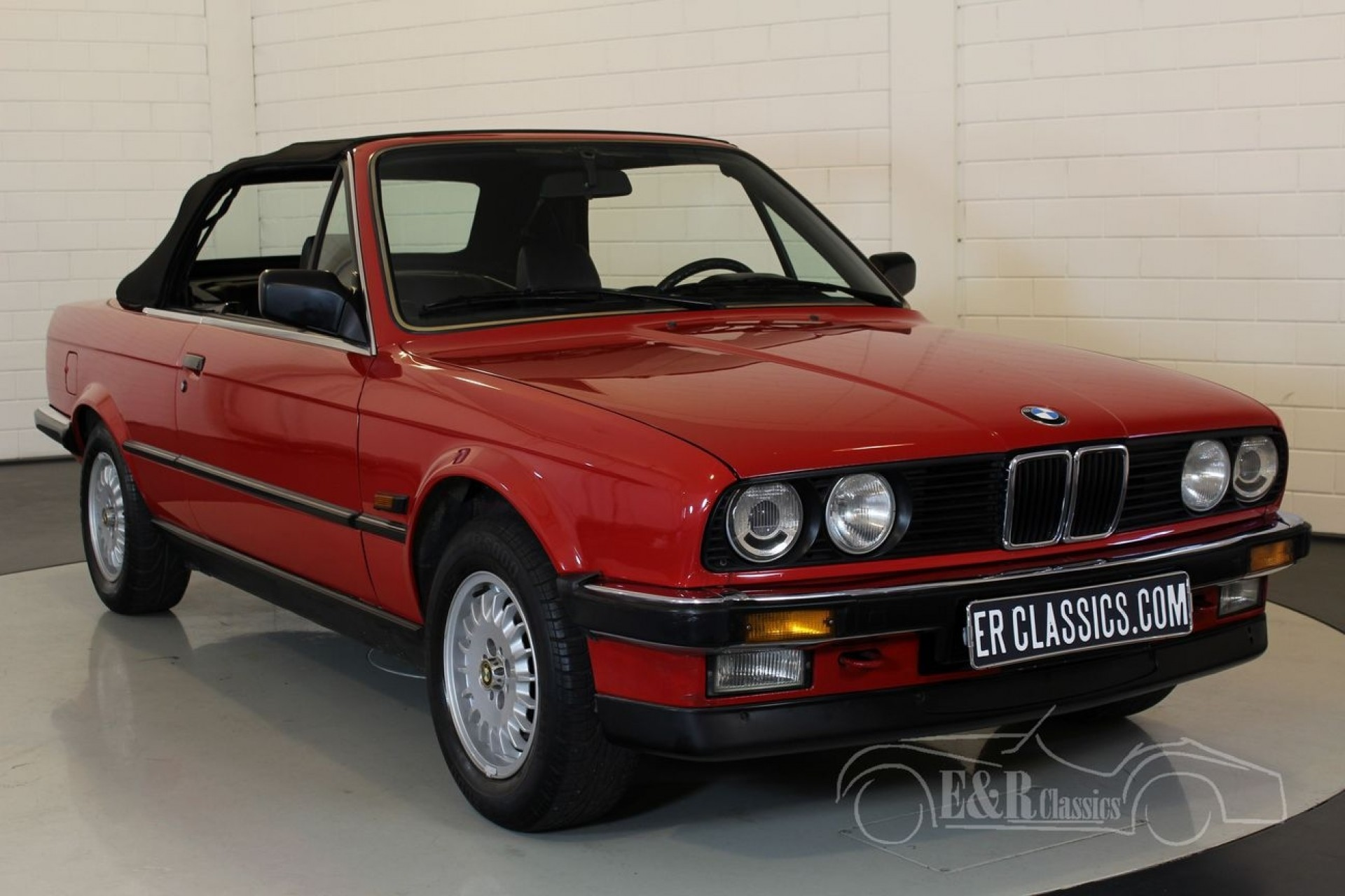 BMW 320i (E30) Cabriolet 1988 for sale at ERclassics