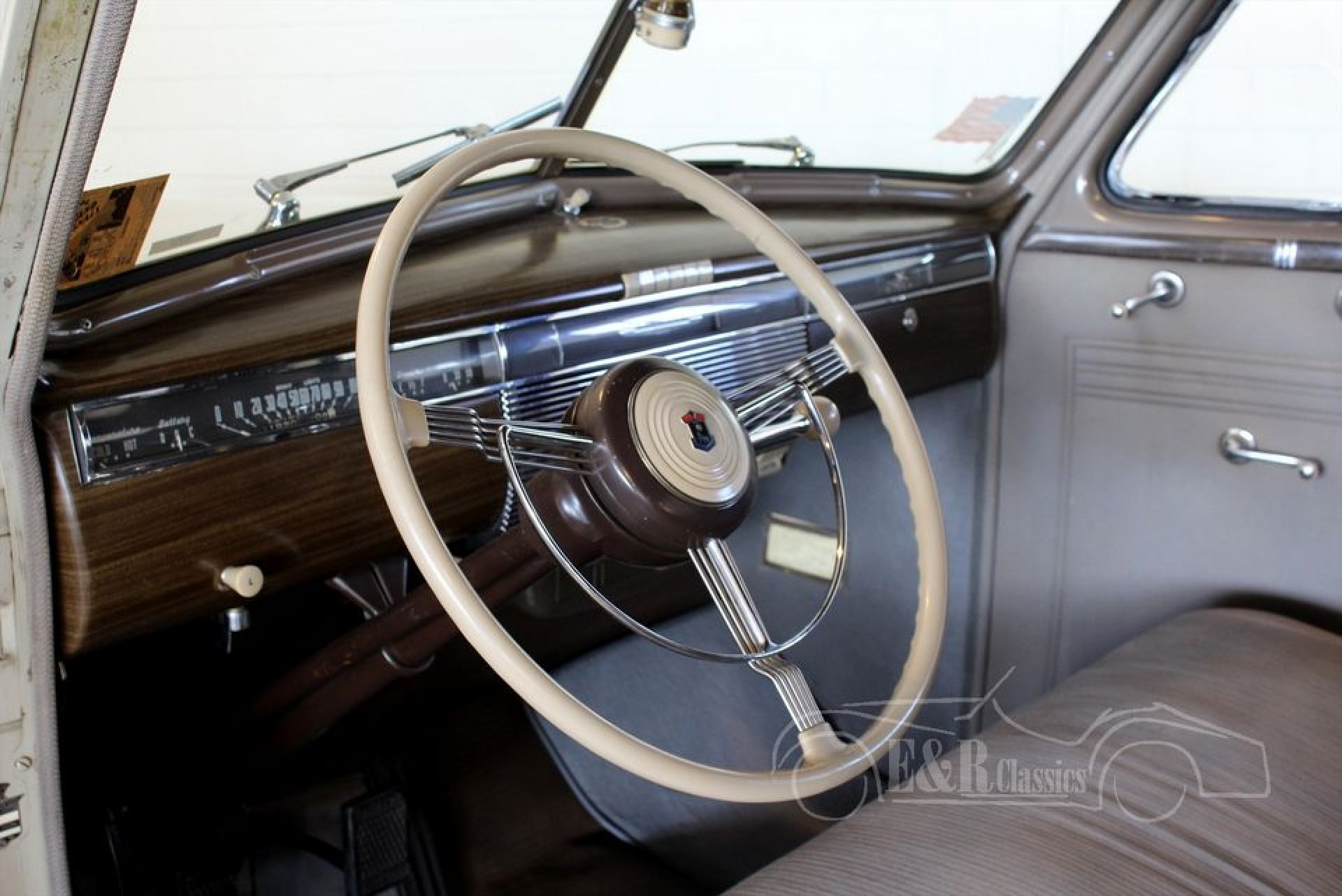 Cadillac La Salle Business Coupe 1939 for sale at ERclassics
