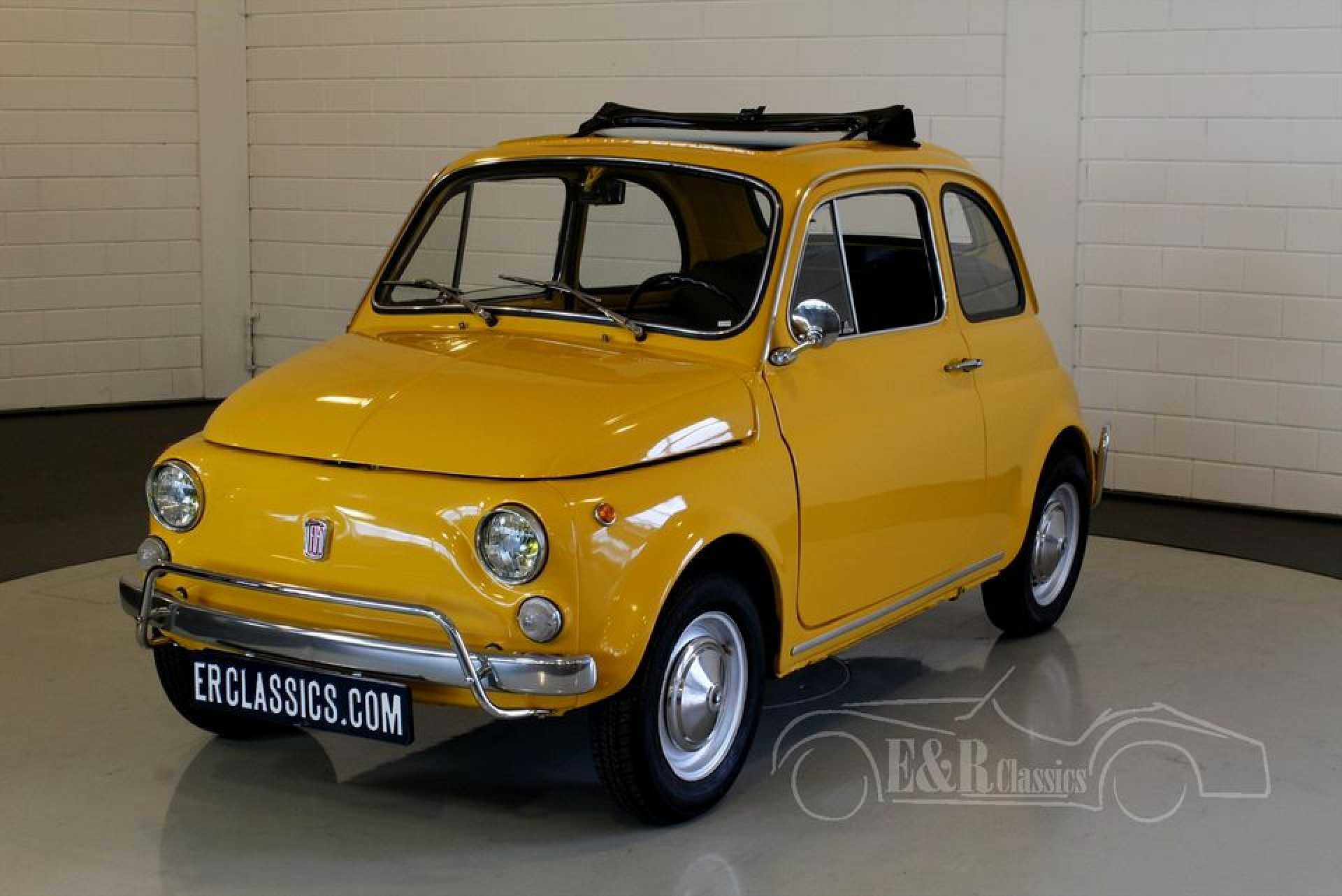 fiat 500 l 1971 for sale at erclassics. Black Bedroom Furniture Sets. Home Design Ideas