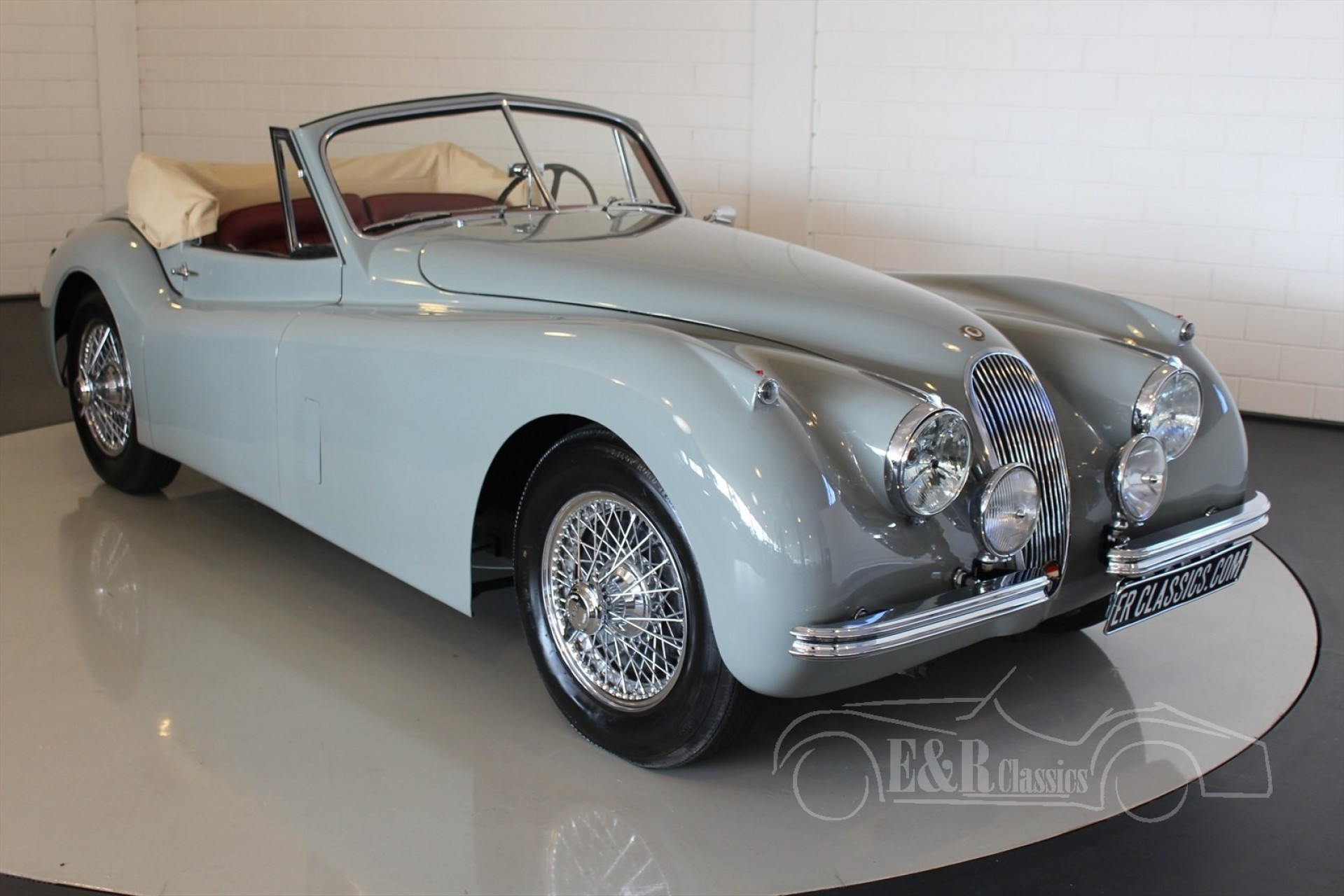 jaguar xk 120 dhc 1954 for sale at erclassics. Black Bedroom Furniture Sets. Home Design Ideas