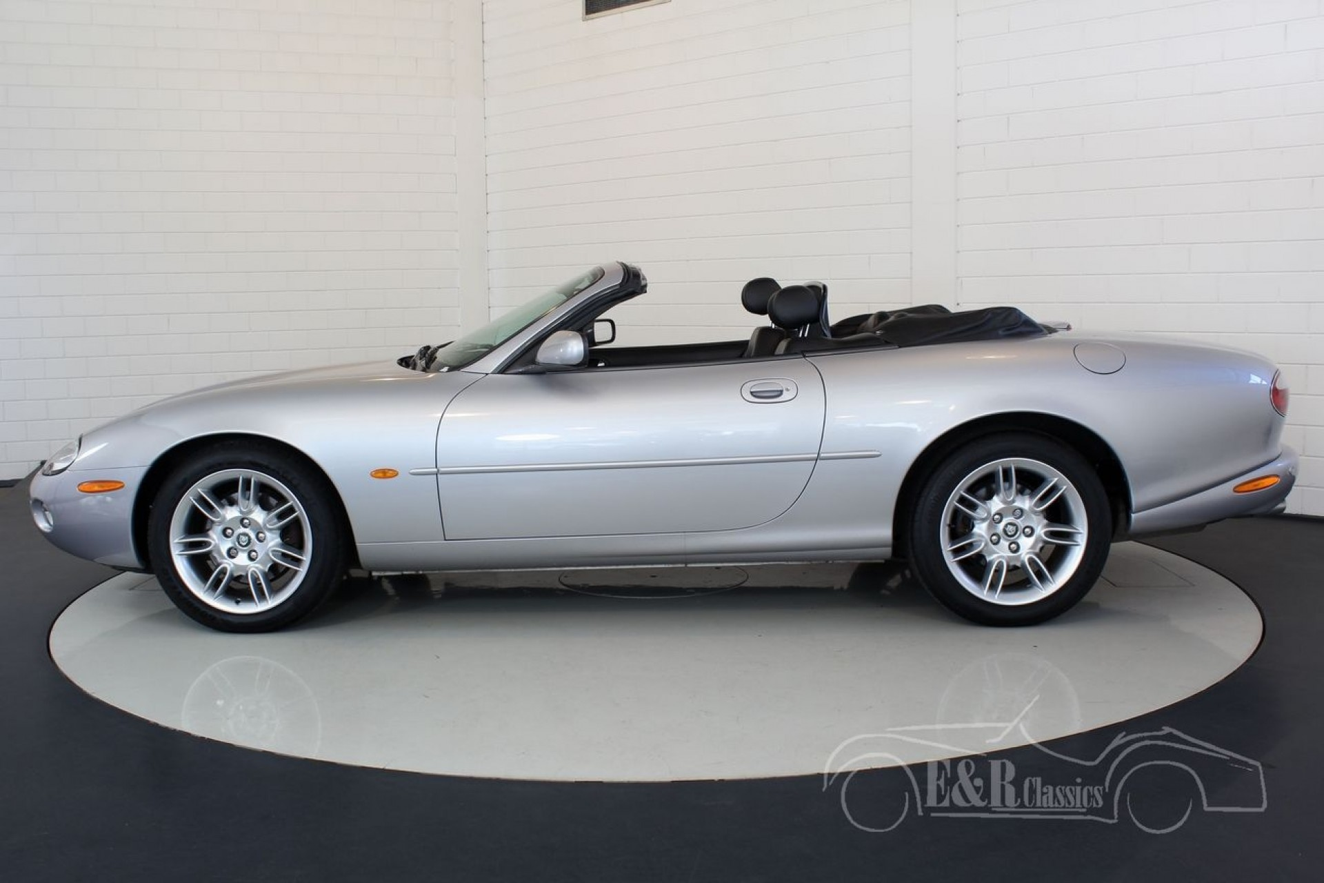 jaguar xk8 cabriolet 2003 for sale at erclassics. Black Bedroom Furniture Sets. Home Design Ideas