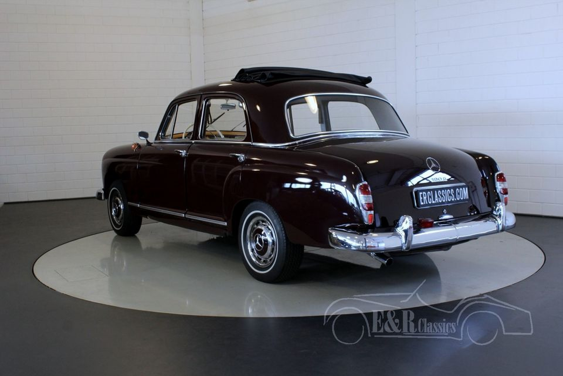 Mercedes benz 190d ponton 1961 for sale at erclassics for Mercedes benz classics for sale