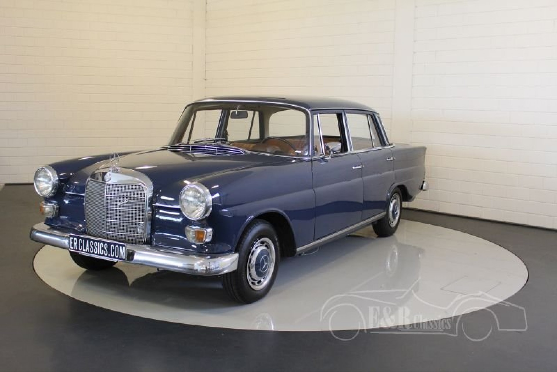 Mercedes benz 200 heckflosse 1967 for sale at erclassics for Mercedes benz 200