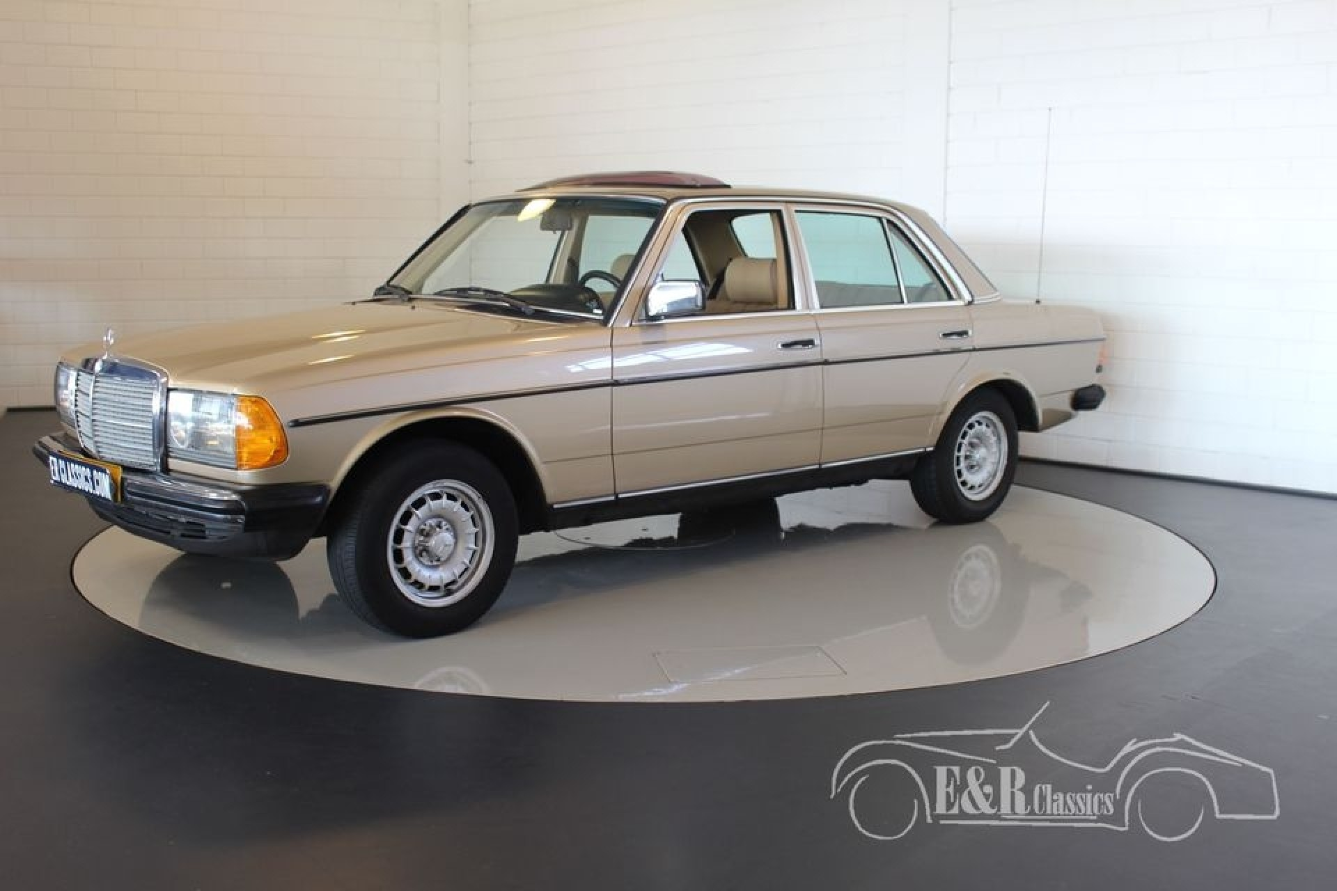 Mercedes benz 230e 1984 for sale at erclassics for Mercedes benz 230e