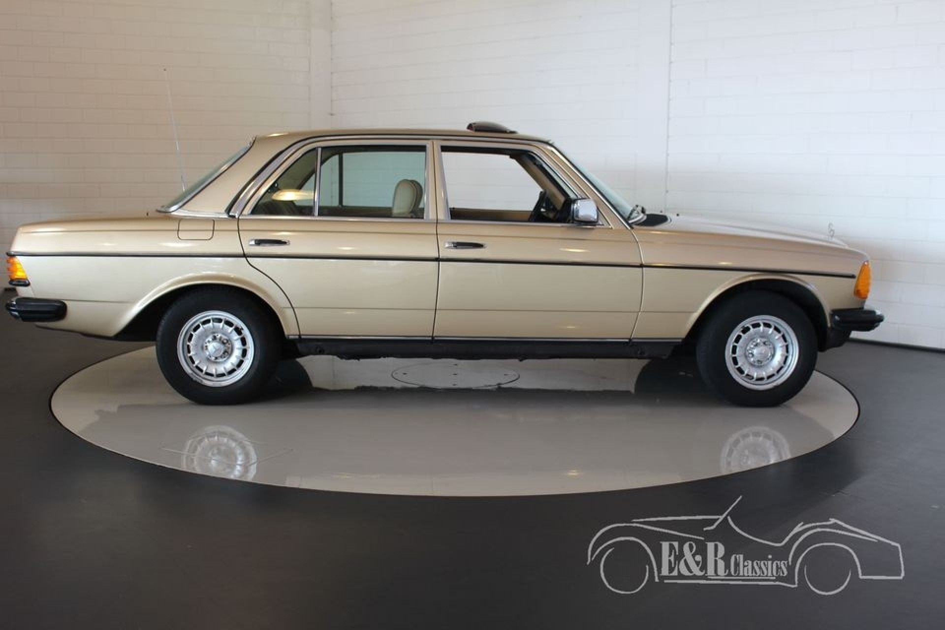 Mercedes benz 230e 1984 for sale at erclassics for Mercedes benz for sale