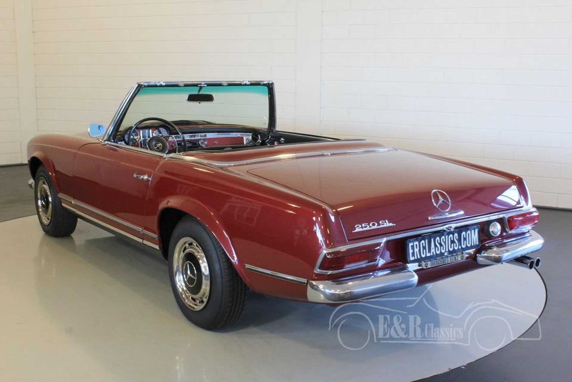 Mercedes benz 250 sl pagode 1967 for sale at erclassics for Mercedes benz classics for sale