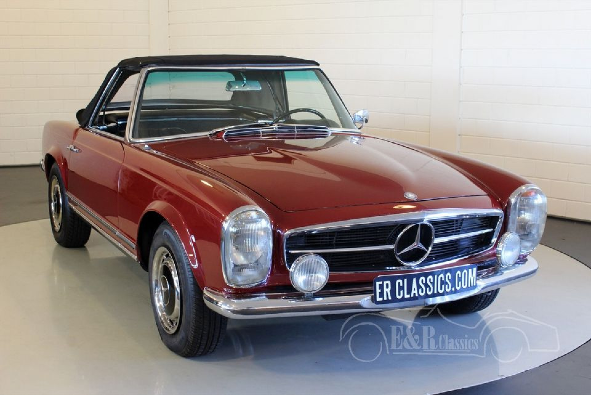 Mercedes benz 250 sl pagode 1967 for sale at erclassics for Mercedes benz sl550 for sale