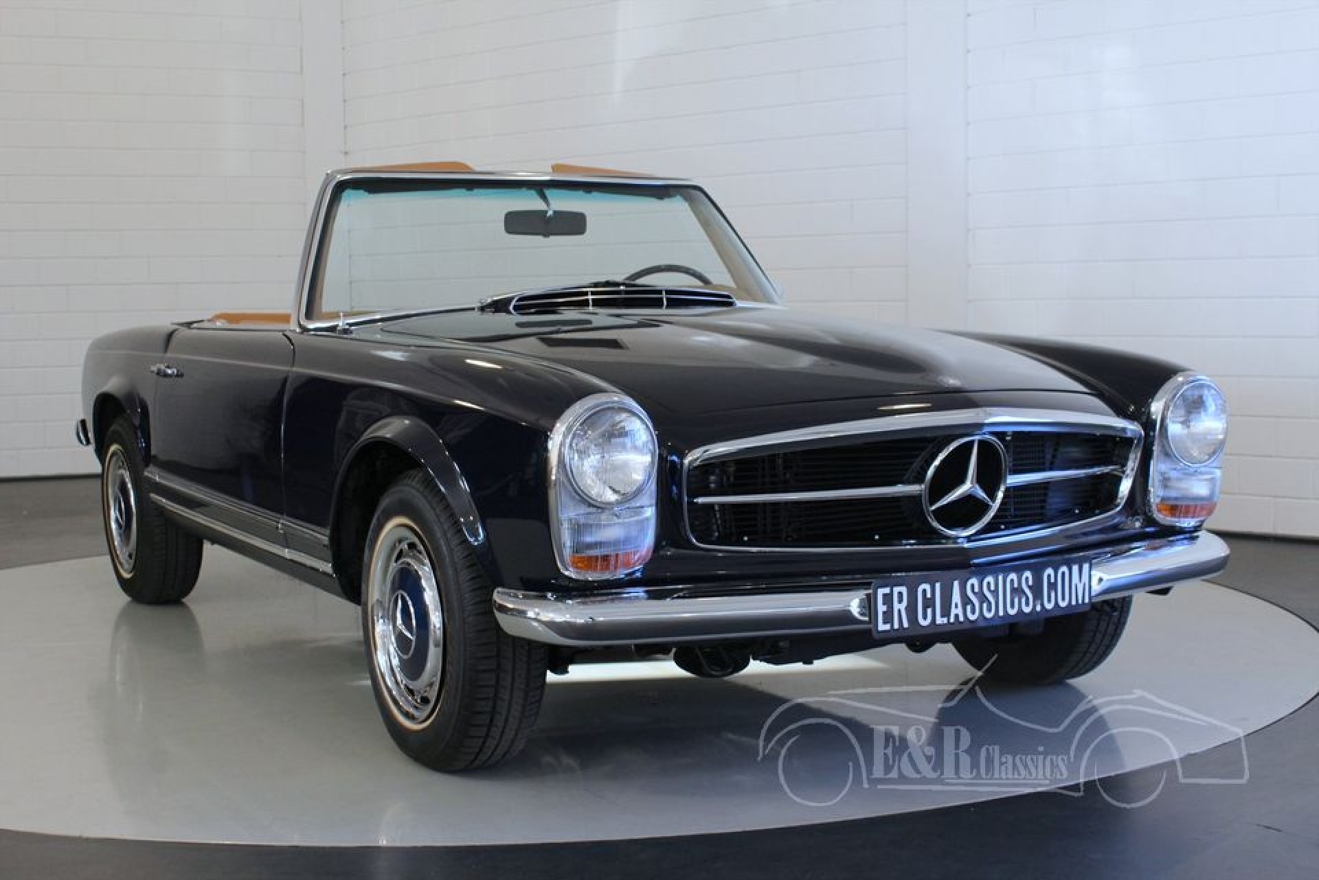 mercedes benz 280 sl pagode 1968 for sale at erclassics. Black Bedroom Furniture Sets. Home Design Ideas