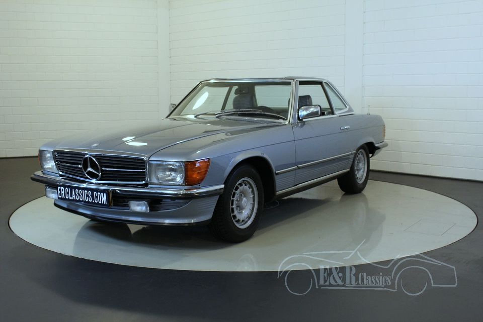 Mercedes benz 280sl cabriolet 1983 for sale at erclassics for Mercedes benz 1983