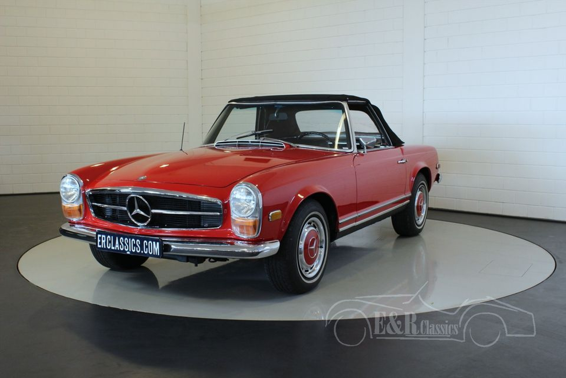 Mercedes benz 280sl pagode 1968 for sale at erclassics for Mercedes benz 1968 for sale