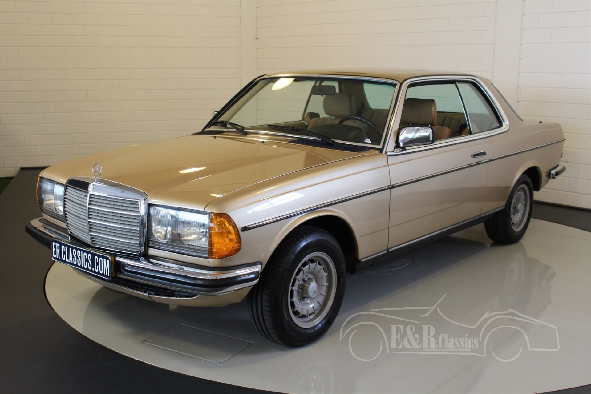 Mercedes benz 230ce coupe 1984 for sale at erclassics for 1984 mercedes benz