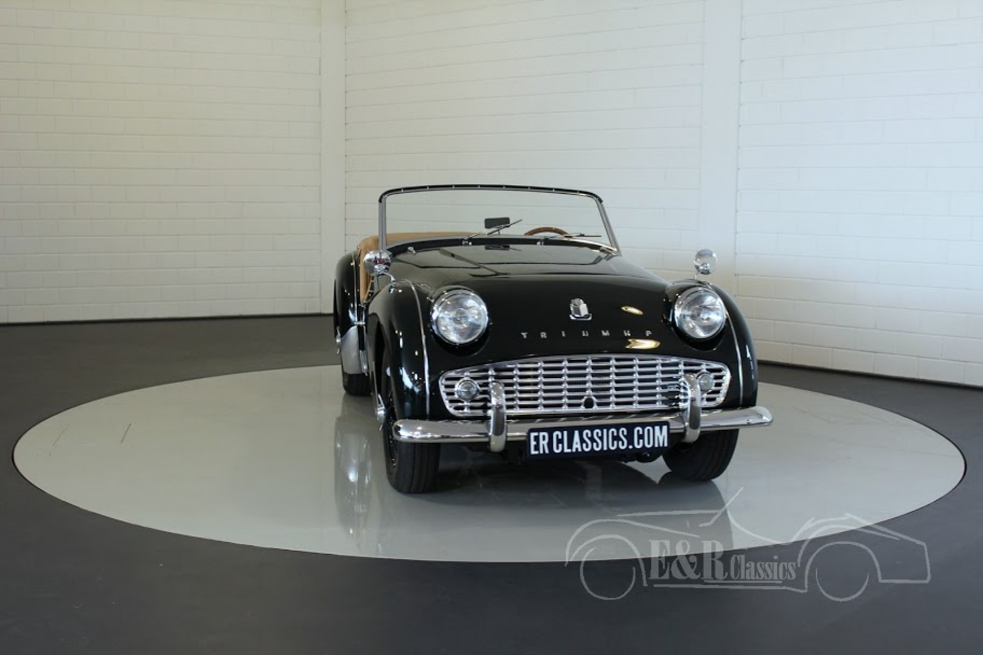 Triumph Classic Cars Triumph Oldtimers For Sale At E R Classic Cars