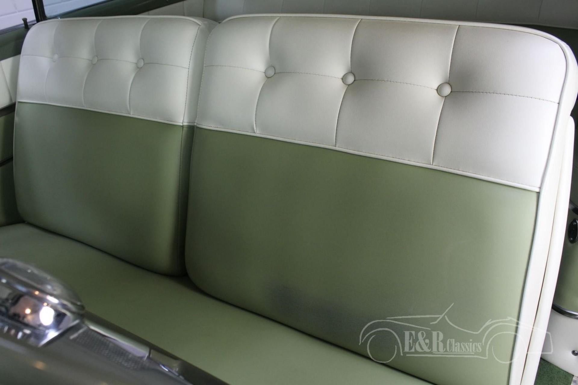 Pontiac Chieftain Coupe 1953