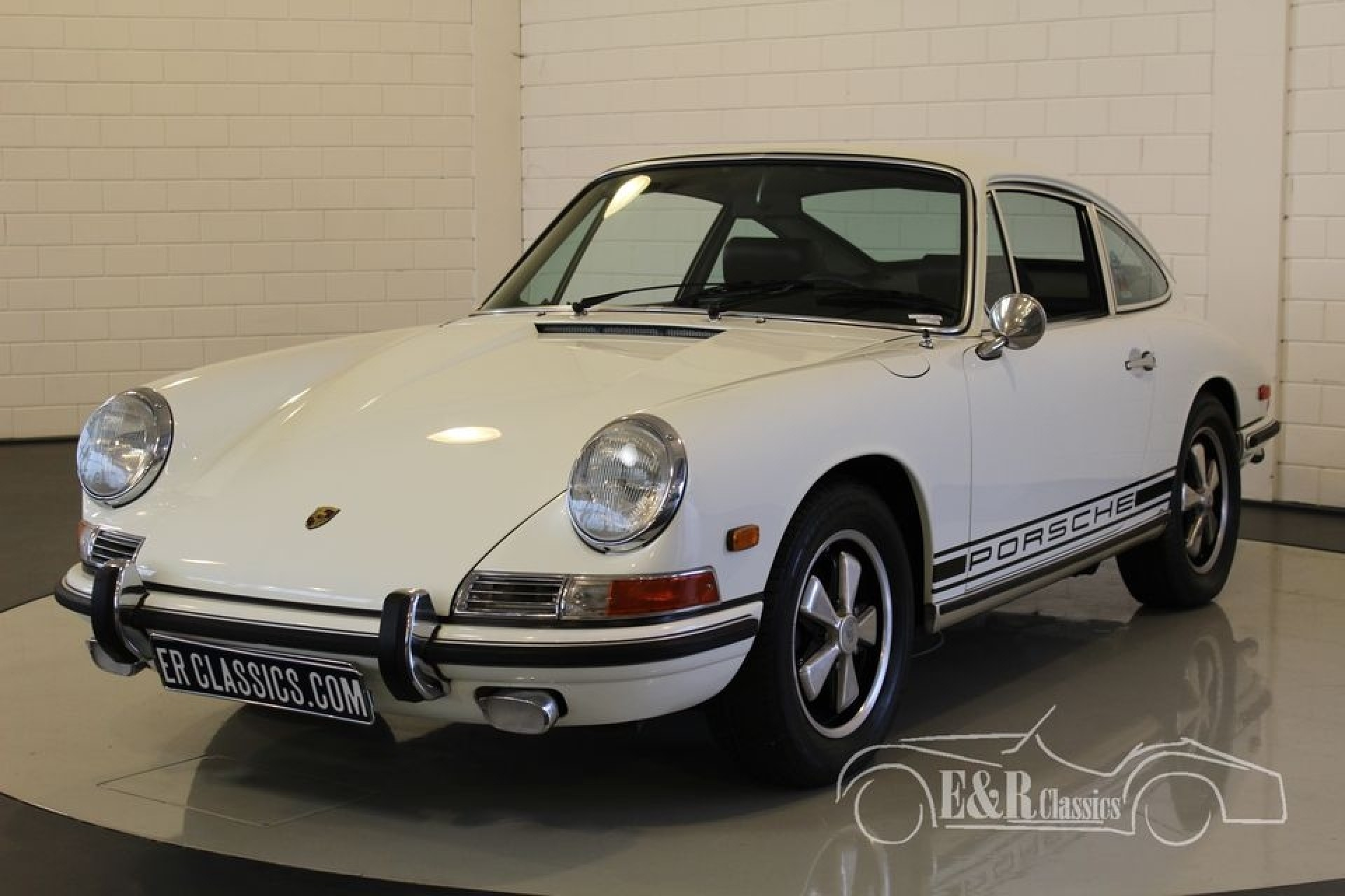 porsche 911 l coupe blanc 1968 for sale at erclassics. Black Bedroom Furniture Sets. Home Design Ideas
