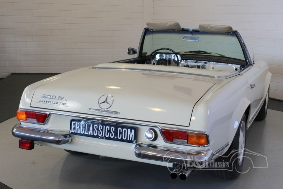 Mercedes benz 230sl pagode 1966 for sale at erclassics for 1966 mercedes benz for sale